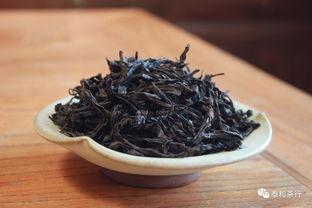 相比做旧老白茶,用春寿眉冒充的白牡丹,新茶友更容易踩坑