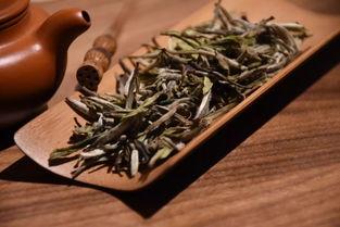 白茶的顶尖茶,白毫银针到底长什么模样?