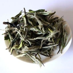 秋天更适合喝红茶、白茶、普洱茶哪一种呢?