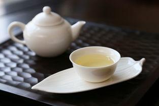 绿茶玻璃杯、普洱茶紫砂壶、白茶盖碗,那冲泡红茶还有哪些讲究呢