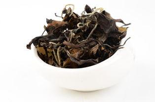 谨防劣质白茶的新伪装,用温水冲泡出来的茶汤才是最高境界?