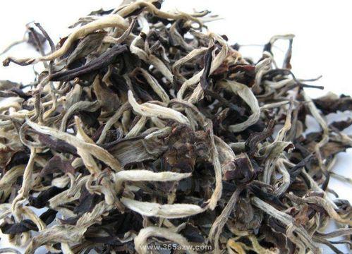 白毫银针价格不低,买白茶时建议多留心!