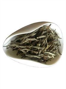 老白茶里有茶梗,是不是品质不好?