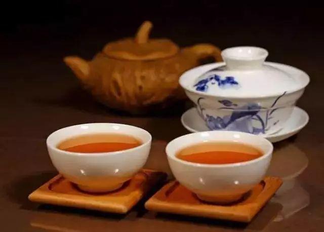 秋季喝老白茶