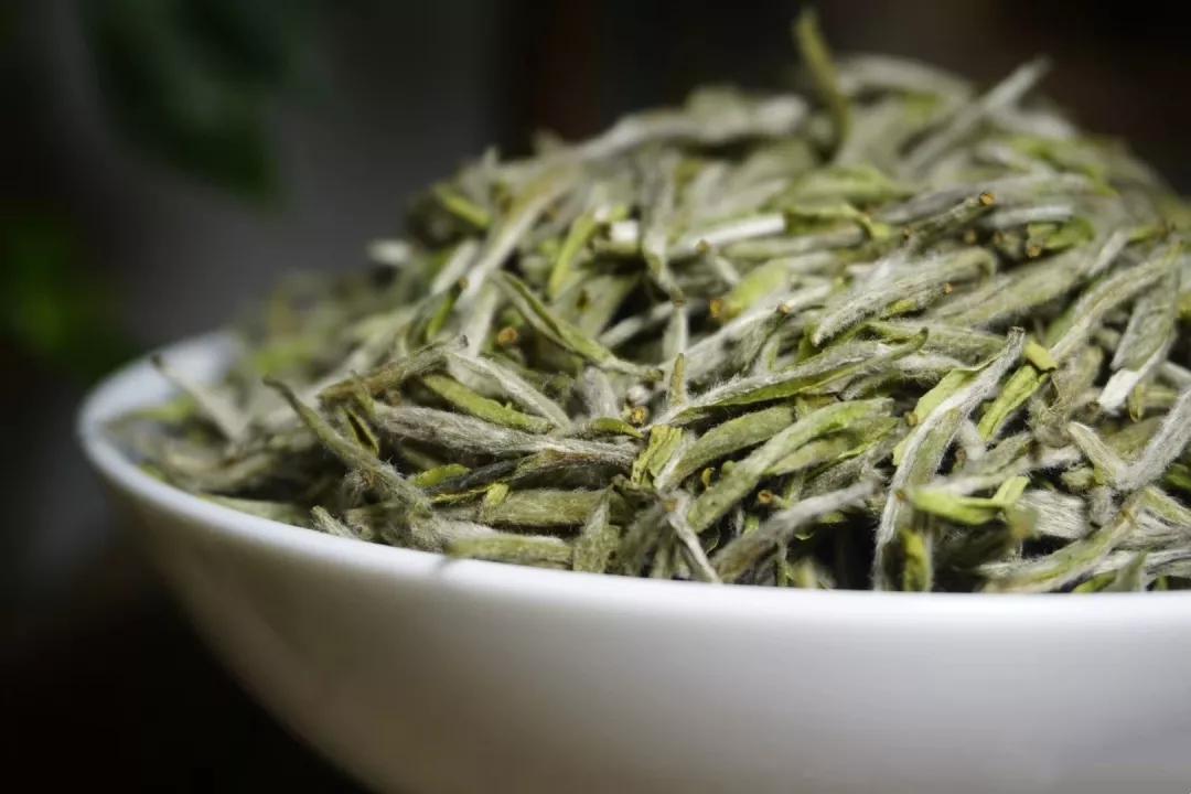 2014年的白牡丹福鼎白茶多少钱一块