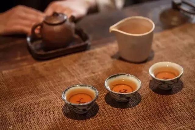 泡老寿眉白茶用什么杯好