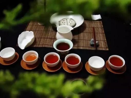 秋季润燥润肺,喝杯白茶吧,那白茶到底该怎么煮,才能更好喝?