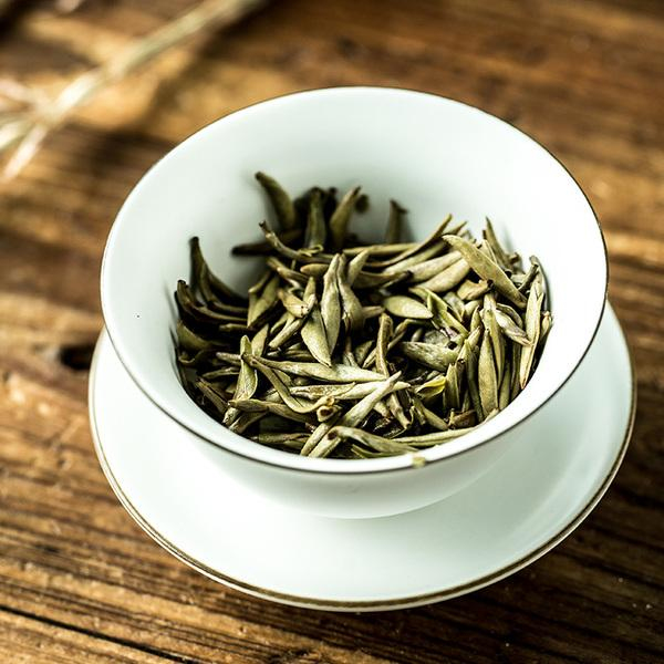 红木、竹木、藤编、砚石、瓷质,不同材质的茶盘,究竟有哪些不同