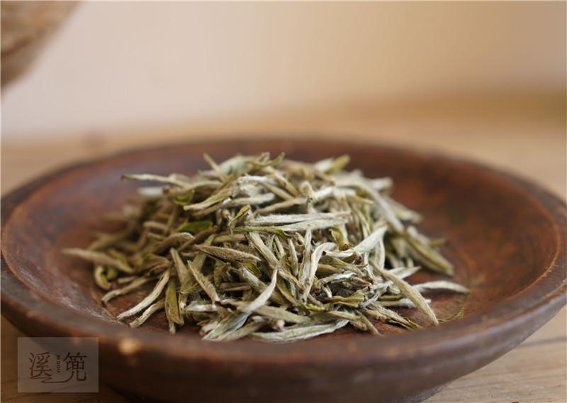 新白茶就是绿茶风味,还比老白茶苦涩?看来你这五年的茶都白喝了