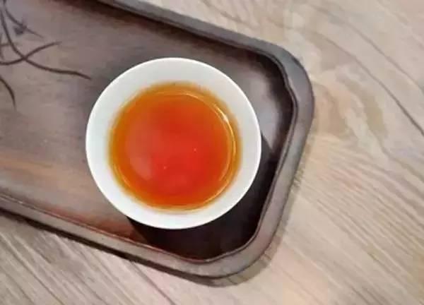 福鼎白茶里,白牡丹有这七点明显优势!
