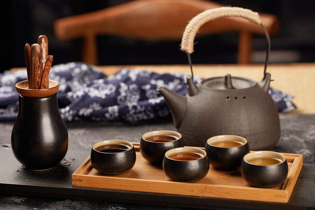 白茶冲泡时候,闷泡,坐杯,留根哪个做法对