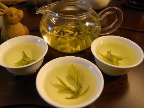 福鼎太老白茶盒装图片