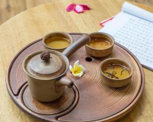 与老白茶有关的古诗