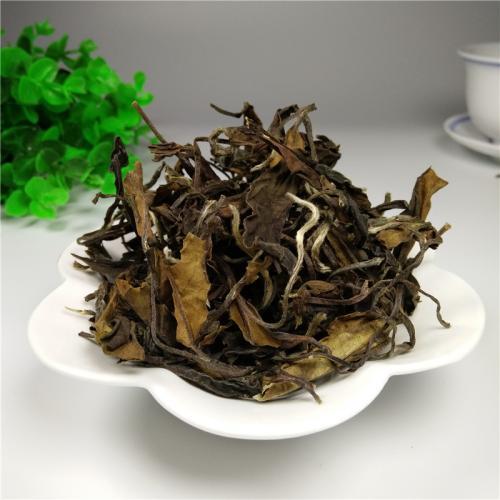 """老岩茶、老红茶、老白茶,你也在赶""""老茶热""""吗?里面的坑真不少"""