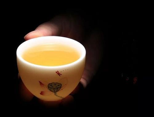 福鼎白茶的含水量