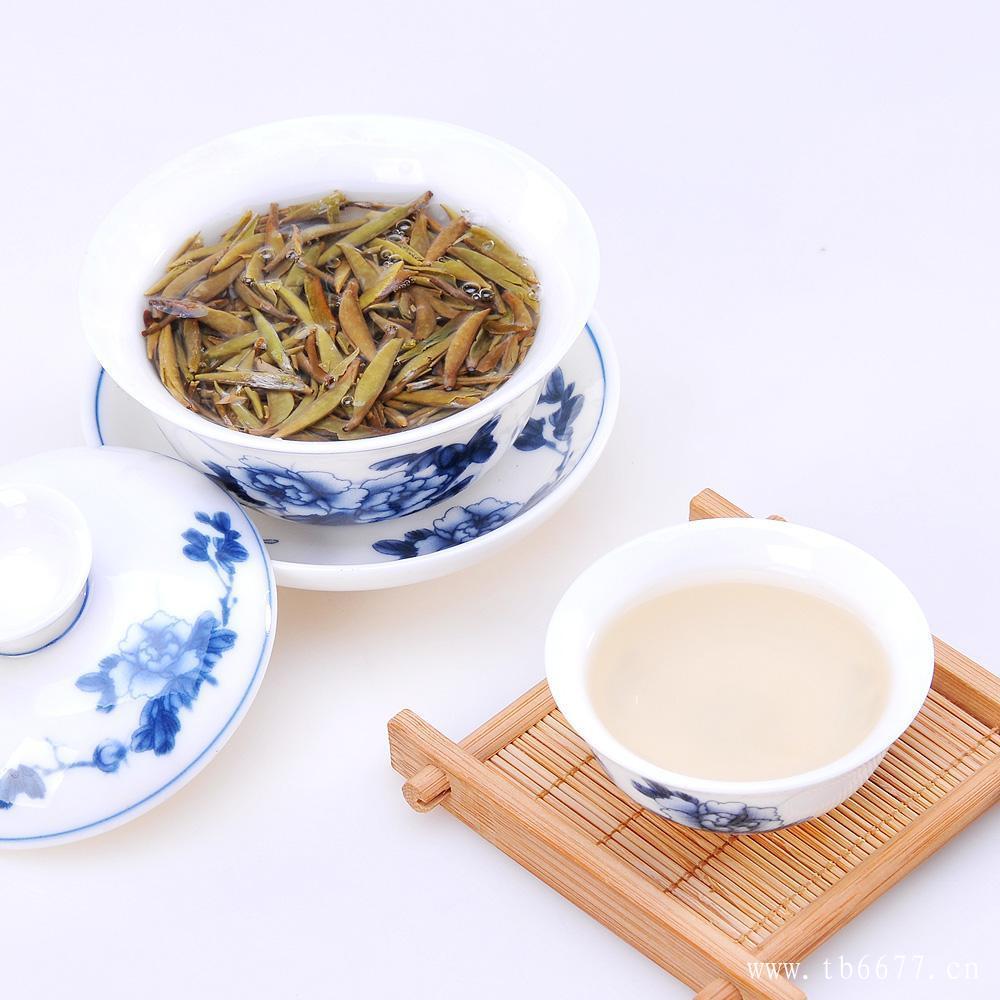 最适合冲泡白茶的茶具是盖碗!